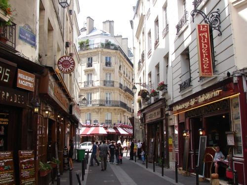 latin-quarter-in-paris 1.jpg